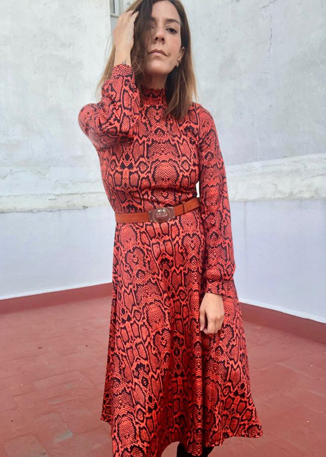 2-vestido-serpiente-rojo