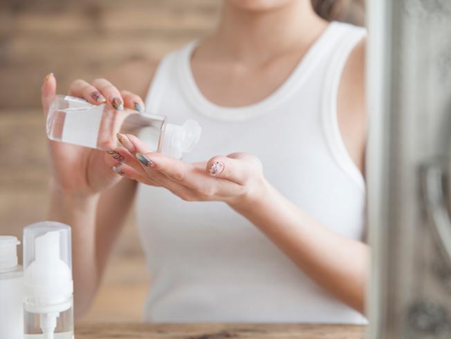 Exfoliante líquido: la alternativa respetuosa para renovar el cutis