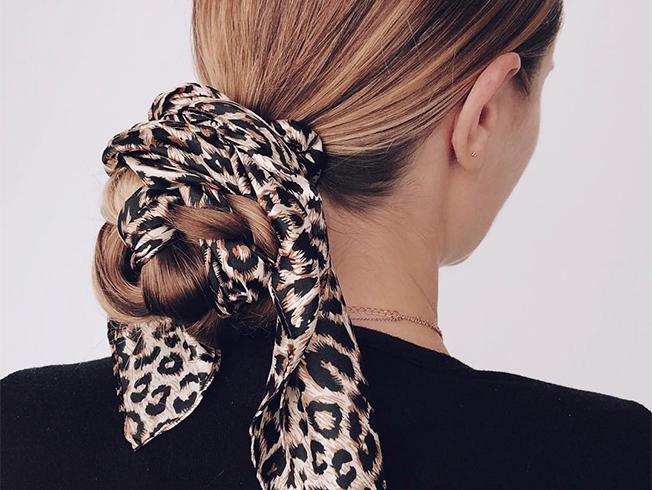 Peinados con accesorios: saca partido a tus coleteros y horquillas