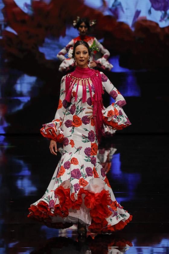 El desfile de Yolanda Moda Flamenca, en fotos (Vanessa Gómez/ J.M. Serrano)