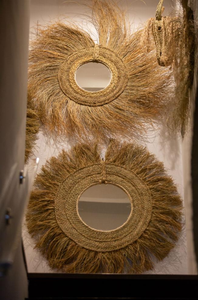 Espejos de esparto de Binoé