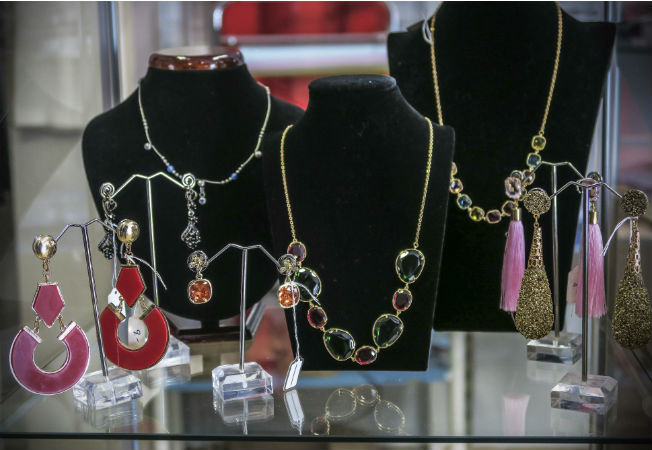 pedientes-collares-pura-moda