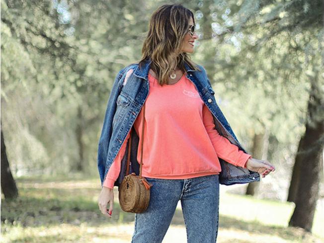 Las prendas con tonalidades flúor como el naranja, rosa, verde, amarillo neón, son una de las grandes tendencias que viene arrasando esta temporada