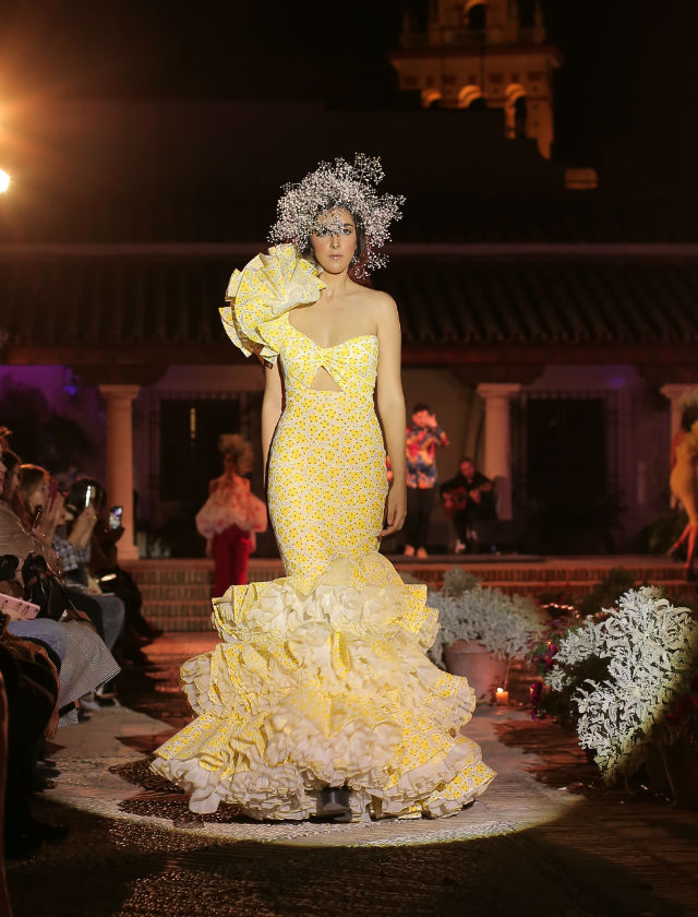 Desfile de trajes de flamenca 2019 de Juana Martín. Foto: Andrew Jim