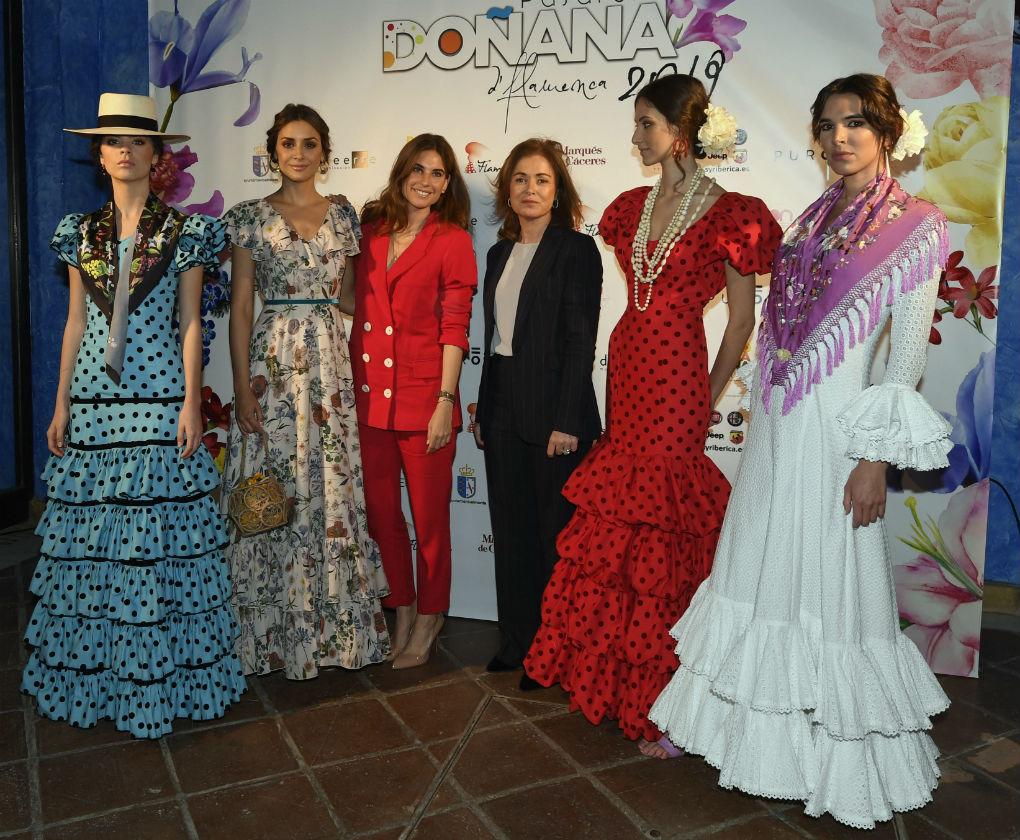 Desfile de Miabril, la firma de Lourdes Montes y Rocío Terry en Doñana D'Flamenca 2019. Foto: Cordon Press