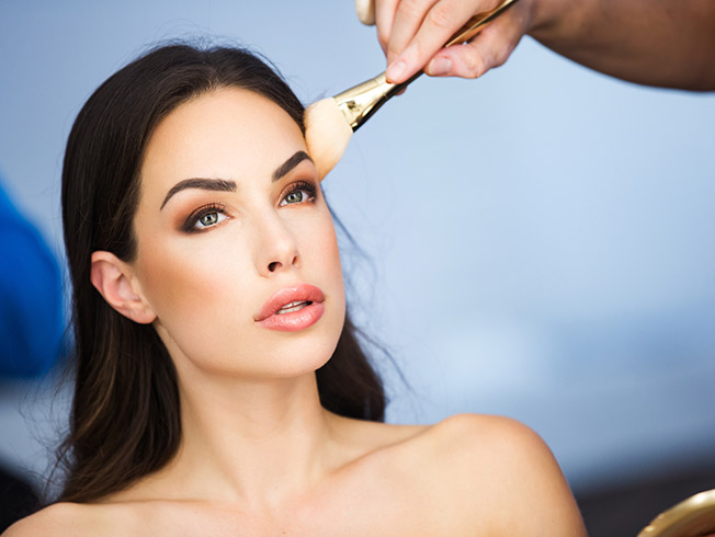 Ideas de maquillaje para novias atrevidas