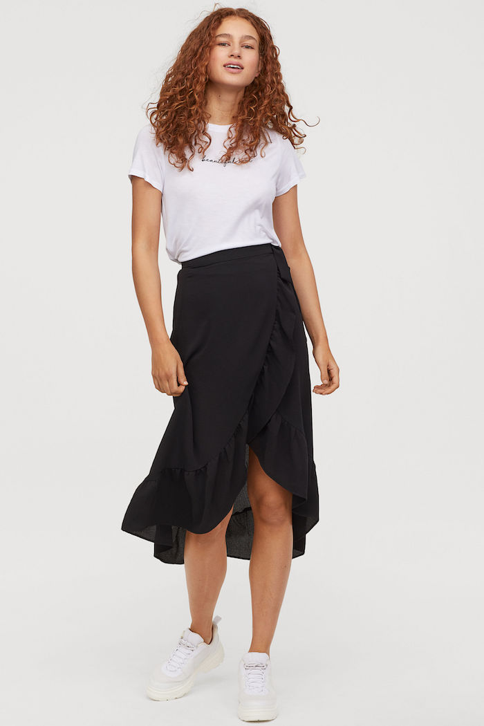 vestir deportivas falda