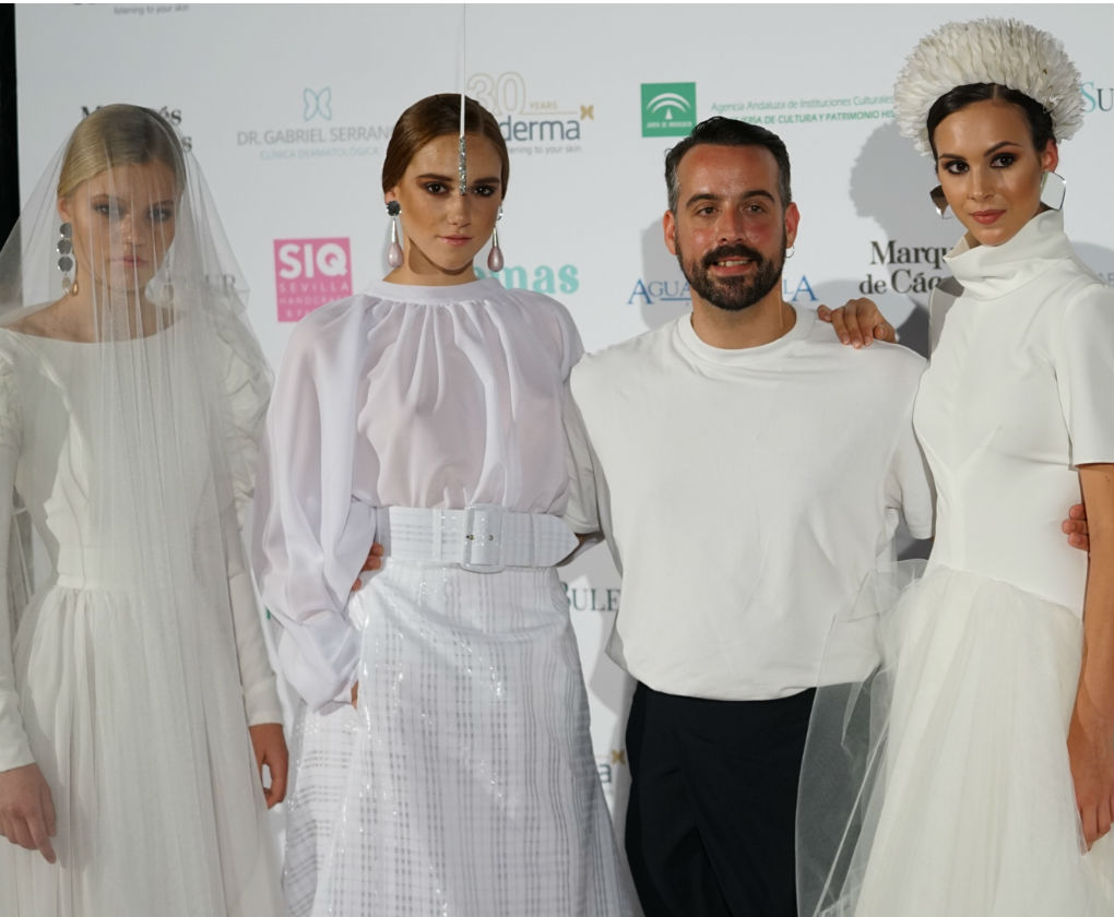 José Galváñ tras su desfile en SIQ Handcraft & Fashion 2019. Foto: Júcaro