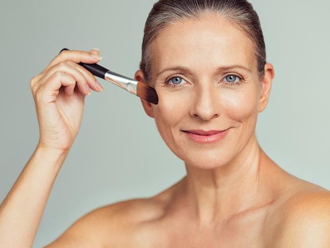 Consejos de maquillaje que nos quitan años
