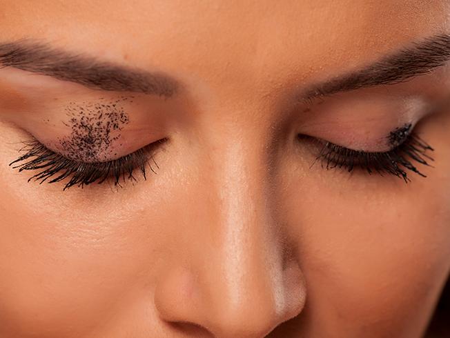 errores de maquillaje delineador