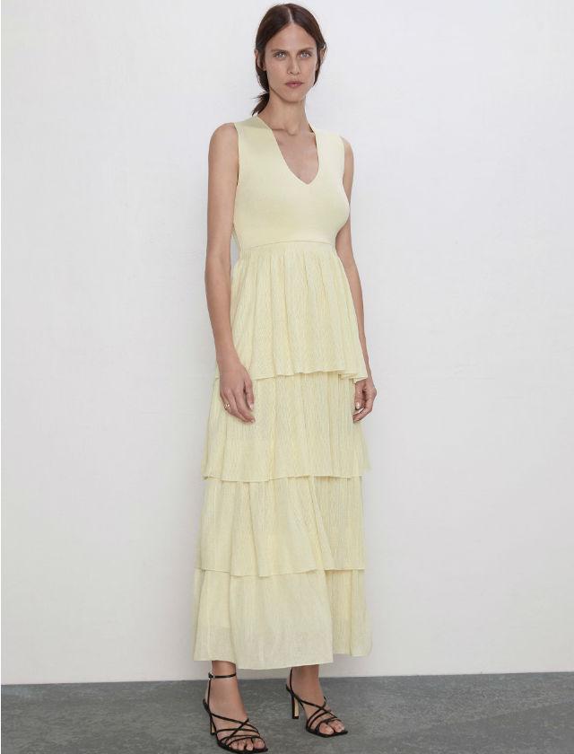 Vestido de volantes de Zara