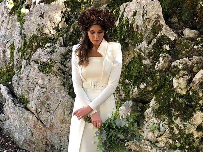 Abrigos para novias de invierno: un complemento de cuento