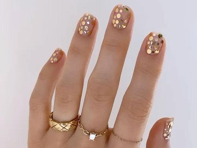 Las manicuras más bonitas para decorar tus uñas para Navidad