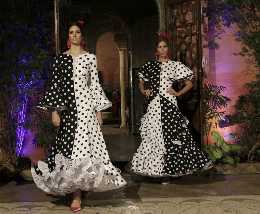 Tendencias de moda flamenca: así se llevan los lunares en 2020