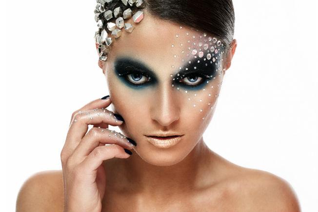 Maquillaje de Carnaval con purpurina y aplicaciones