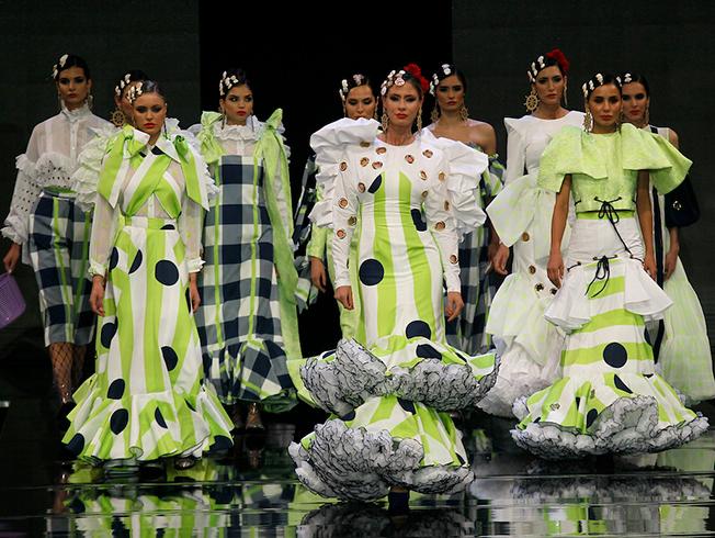 Tonos flúor, tendencia en moda flamenca 2020