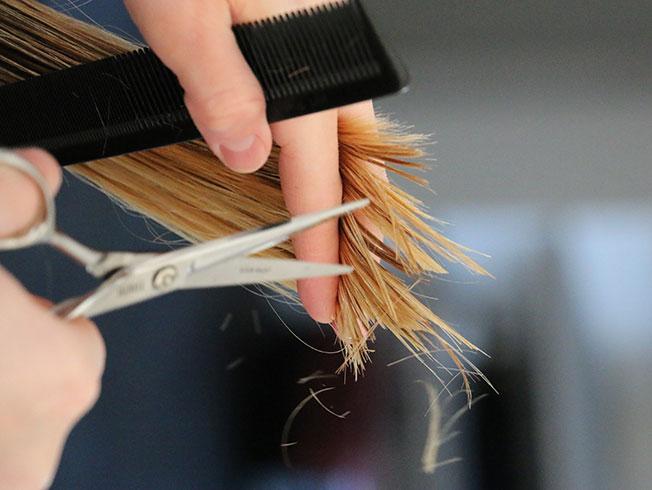 Cómo cortarte el pelo en casa, paso a paso