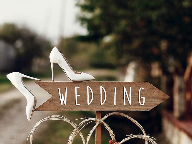 Diez preparativos de boda para hacer desde casa durante el confinamiento