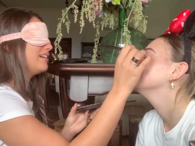 Reto del maquillaje a ciegas