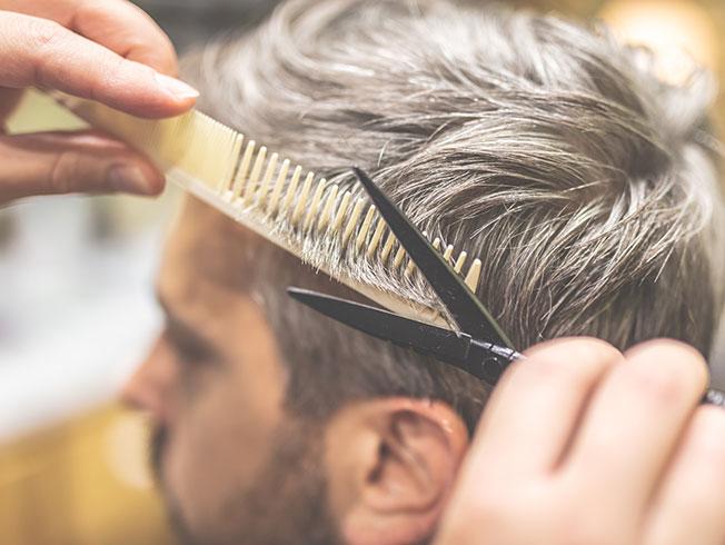 Cómo cortar el pelo a un hombre en casa paso a paso