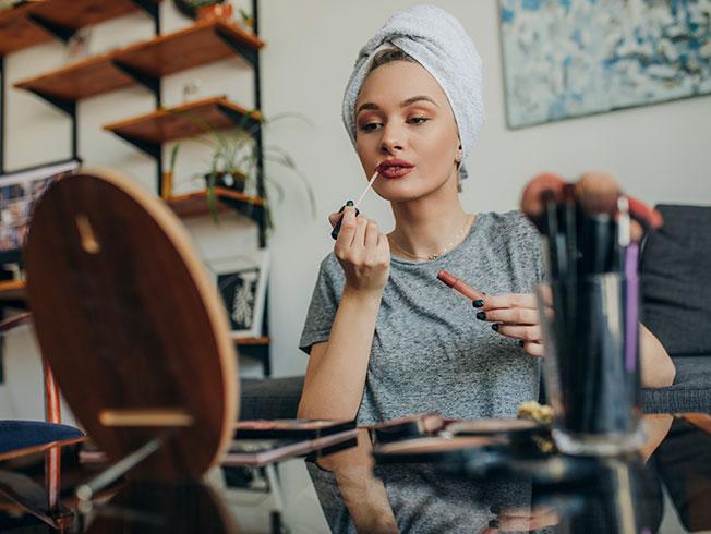 Las técnicas de maquillaje que por fin podrás practicar gracias al confinamiento