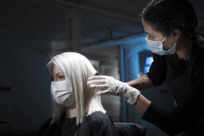 Así afecta a tu piel la mascarilla higiénica si la llevas a diario