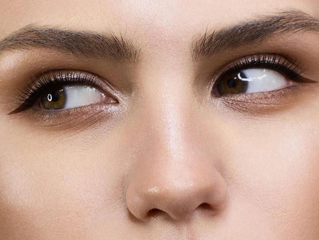 Cómo hacerte el «eyeliner» si tienes los párpados caídos o encapotados