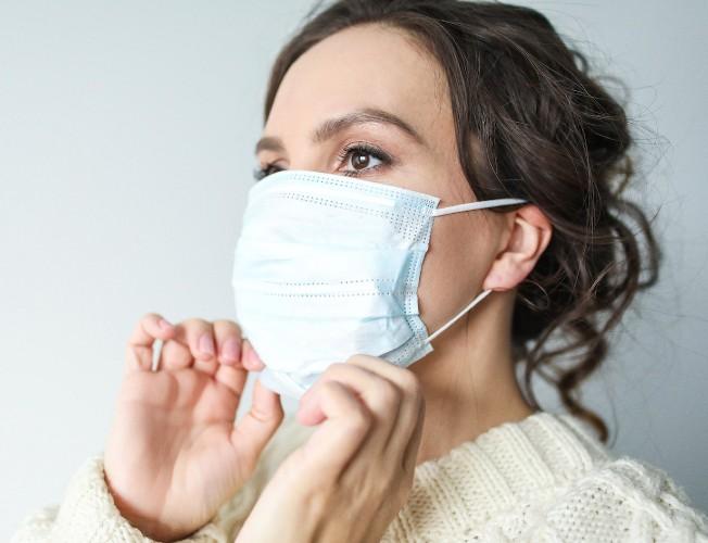 Maskné, el acné que surge por el uso prolongado de la mascarilla