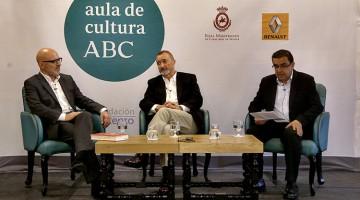 Jesús Vigorra, Arturo Pérez Reverte y Francisco Robles (foto: J.M.SERRANO)