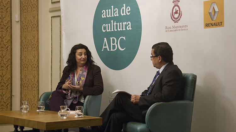 Laura Rojas Marcos junto con Francisco Robles en un momento del Aula de Cultura de ABC
