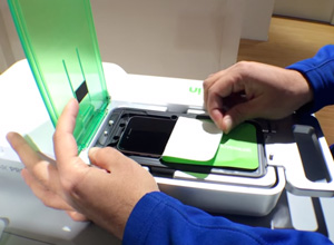 Apple estrena servicio para colocar protectores de pantalla en los iPhone