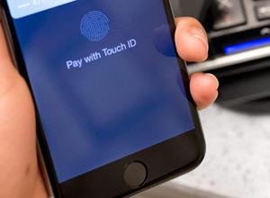 Apple 'recomienda' que sólo se repare el Touch ID en sus tiendas oficiales